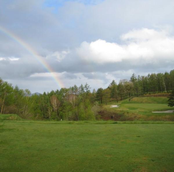 雨上がりのゴルフ場