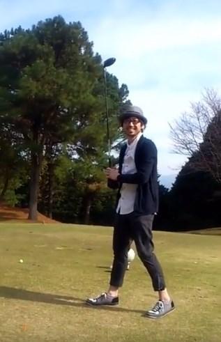 ゴルフ爆笑スイング動画!驚愕の結末はチーン!
